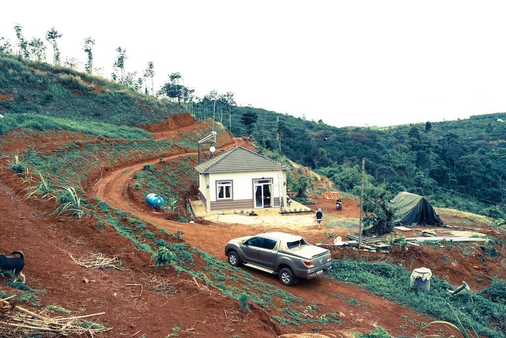 """Plateau Homestay 2, Daknong - House on the hill - """"middle of nowhere"""" :-)"""