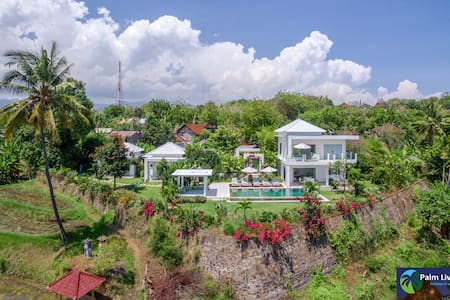 Villa Zoubi -  With Spectacular View - Seririt - Villa