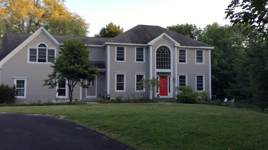 Large Colonial near all Maine's summer attractions - Falmouth - Casa