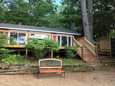Maine Lakefront Cottage 90 Minutes From Boston!