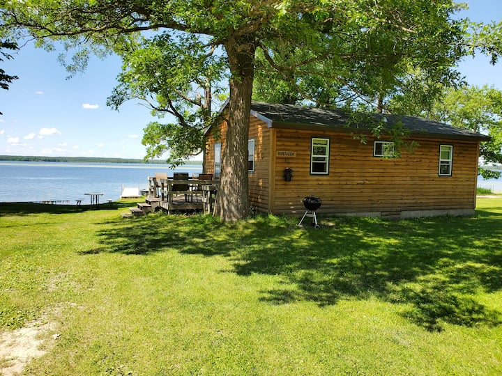 Northern Cabin Lakefront Getaway