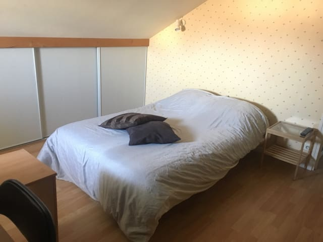 Chambre double + SdB privative