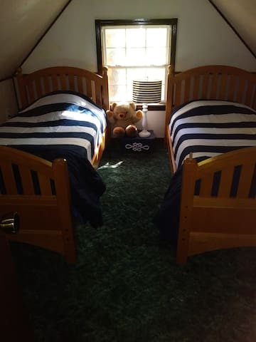 Twin Beds Upstairs