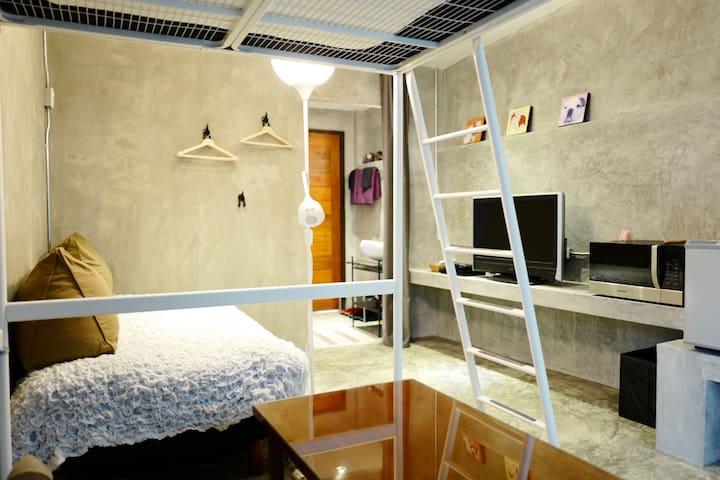 Cozy Studio w/Fun Bunk Bed in Quiet Central BKK - Phaya Thai - Leilighet