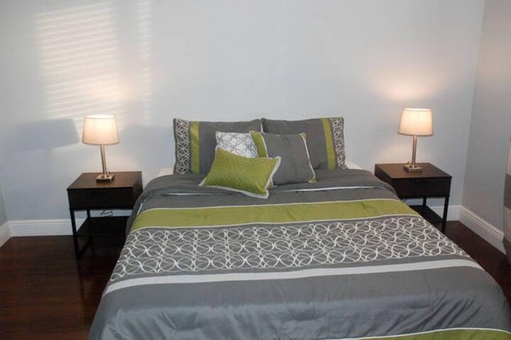 Modern Bedroom in Delray! Close to Dwntwn & Beach - Delray Beach - Appartement en résidence