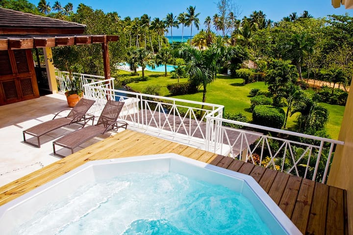 Spectacular beachfront penthouse in Las Terrenas