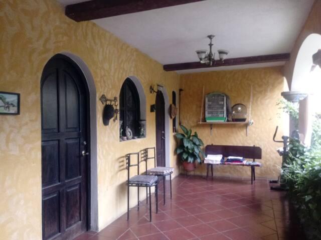 La casa de Martita Hab #3, 1 cama matrimonial