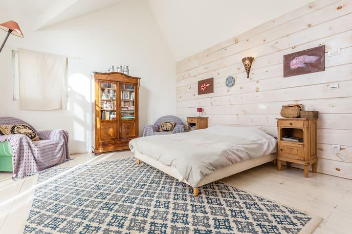 jolie chambre d'amis - Zimmersheim - Bed & Breakfast