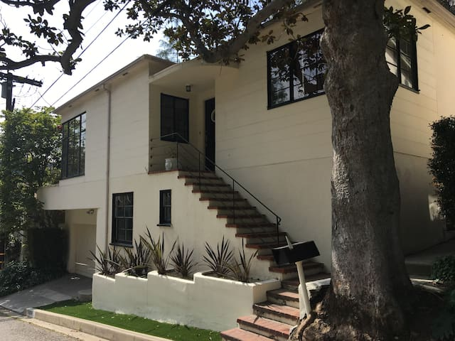 Hollywood Hills Historic Art Deco Studio