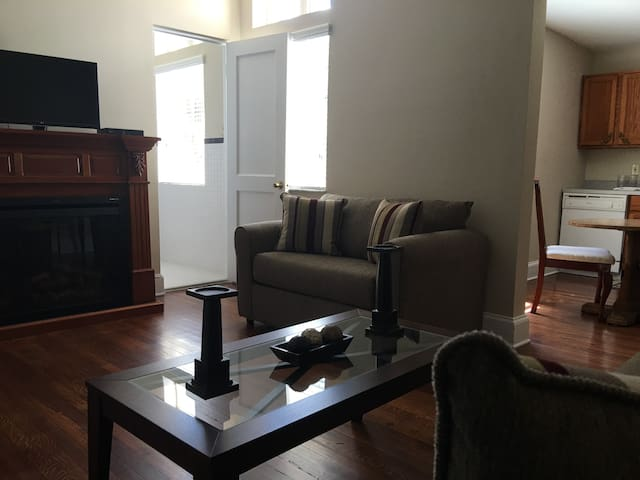 Capernaum Lodge Large Suite with Kitchen #11 - Lake Wales - Bed & Breakfast