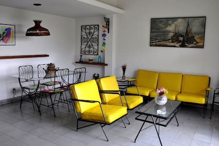 Casa Lennon.  Vedado. Whole apartment.
