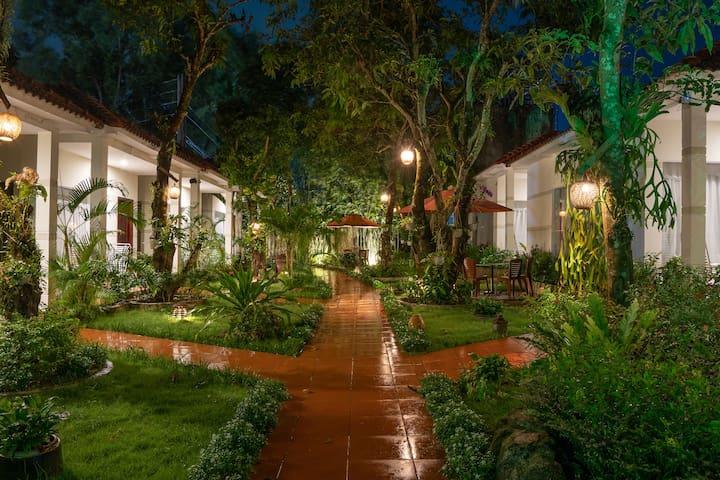 Private Villa in an alluring tropical garden