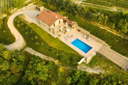 5.5 BR Unique Villa in Piedmont with amazing view