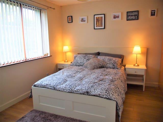 Bright Spacious Room in Ballsbridge