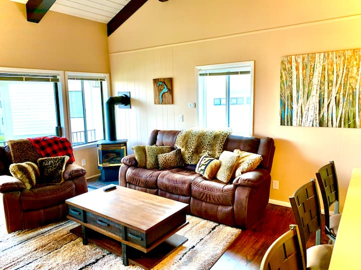 Furnished Lakeview Condo (Sandpoint)