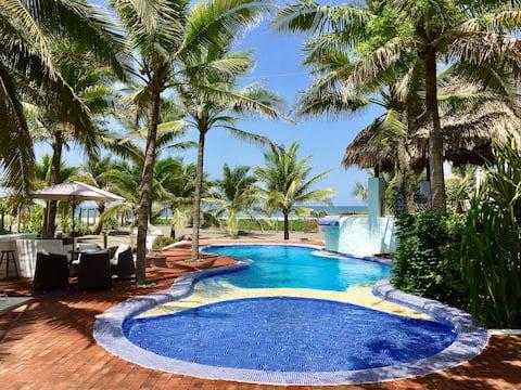 Beautiful Gorgeous Beach House!!