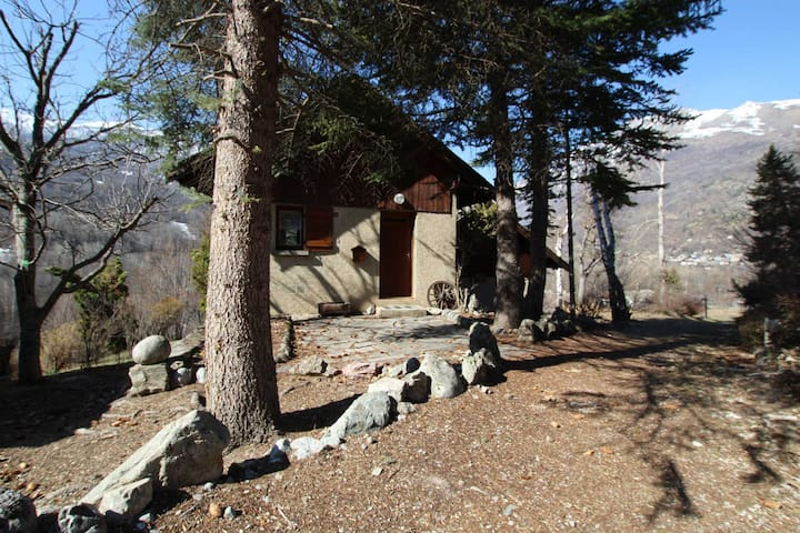 Small chalet at the entrance of Ecrins National Parc