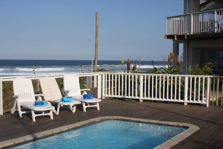 The Whale House Beachfront Luxury, Pennington