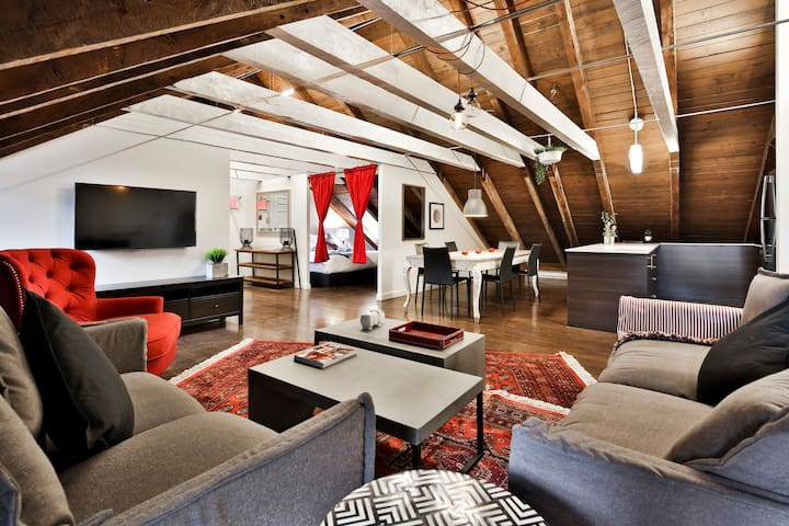 WaterFront Cozy 2BA Loft | AAA LOCATION | Old Mtl