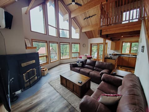 Whitetail Hollow (Apex Mtn)- a cozy retreat