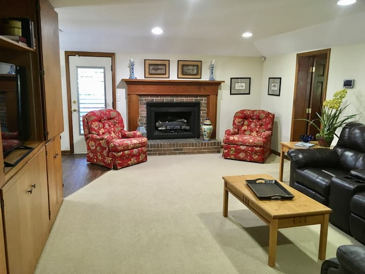 Full Basement Apartment in Historic District