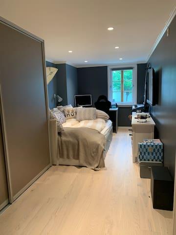 Bedroom number 2. Single/ or Queen size bed.