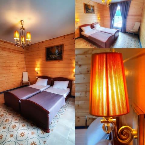 Спальня номер 2 с панарамным окном, для одиночек или детишек!