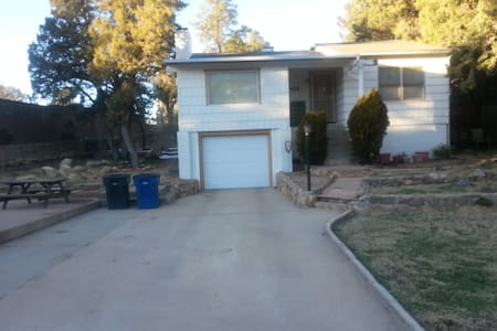 Downtown Efficient! - Prescott - House