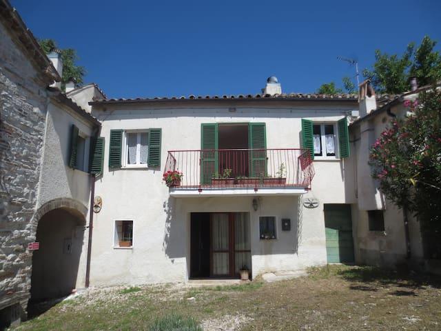 Casa Pittura - Costa, Arcevia - Casa