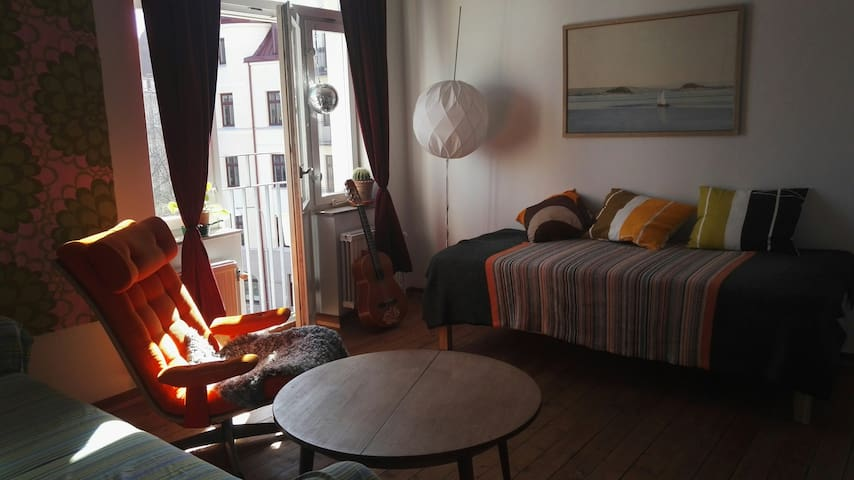 Beautiful and bright apartment close to the center