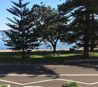 Large Beachside Apartment in the heart of Manly - Manly - Wohnung