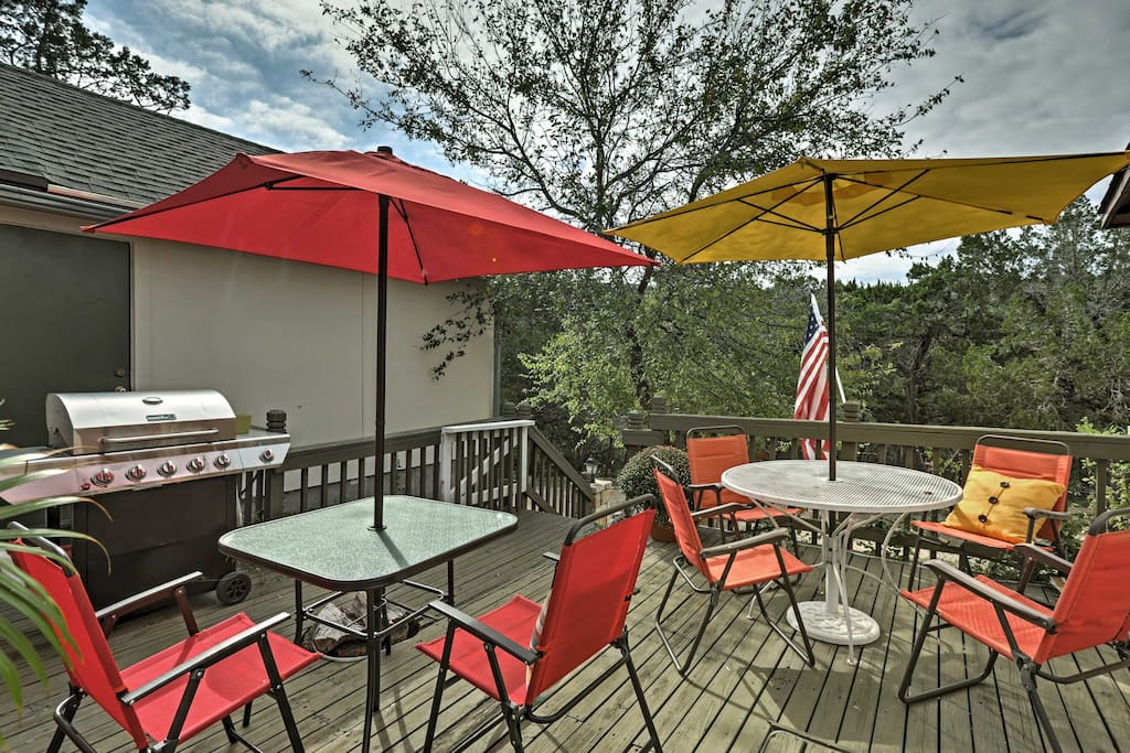 Six guests can relax and unwind in the 'Lone Star State'  during your stay