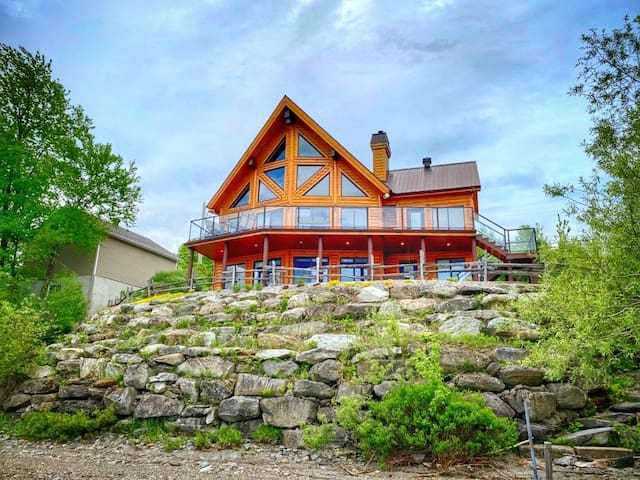 ALPINE - Superbe chalet au bord du lac William