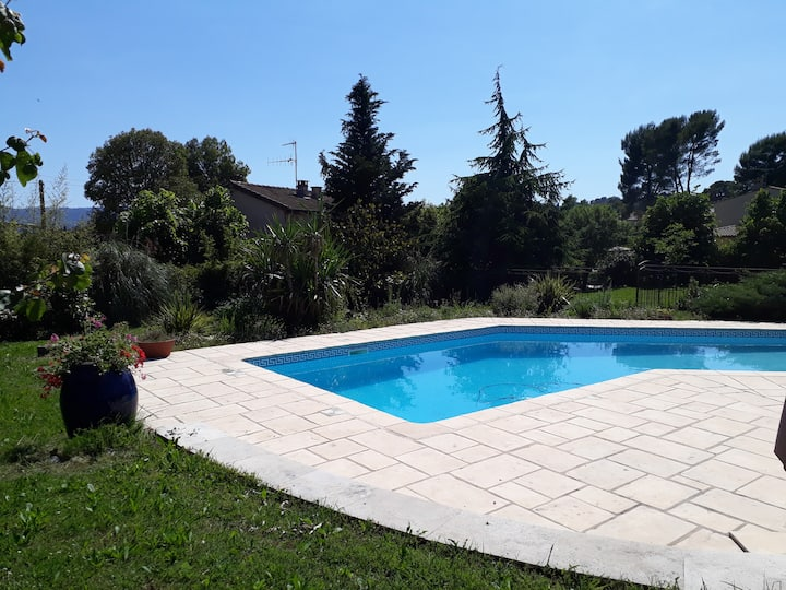Calm 2 bedrooms villa, ideal for rest and tourism