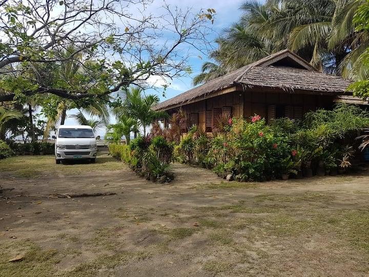 Bahay Pambuhan - a private beach house PARADISE!