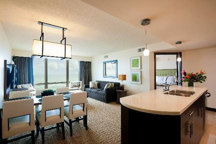 Virginia Beach Oceanfront Boardwalk 2-4 per Suite - หาดเวอร์จิเนีย