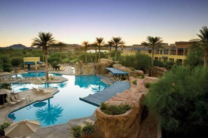 Canyon Villas at Desert Ridge: April 6-13th ONLY