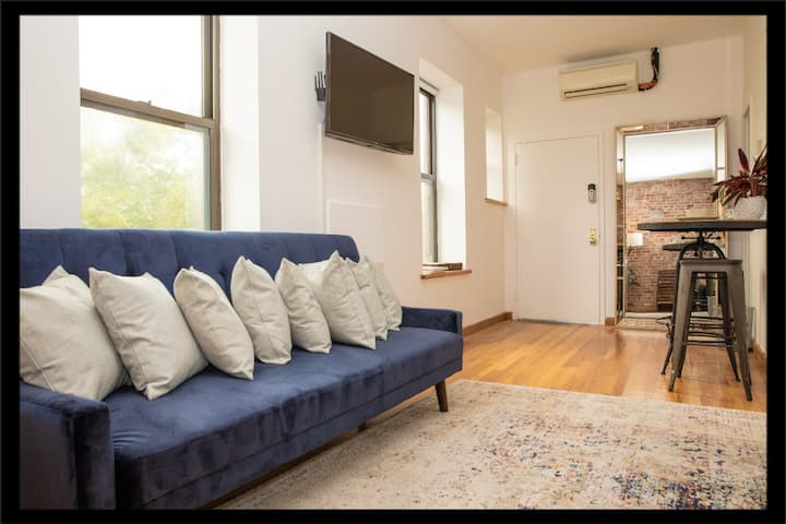 Cozy Studio! SoHo + Greenwich Penthouse Escape!