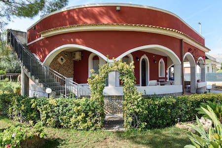 Villa Marta - Gallina