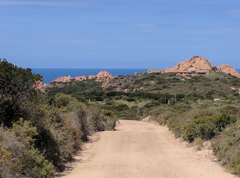 Unmade Road To The Entrance - Spectacular Views