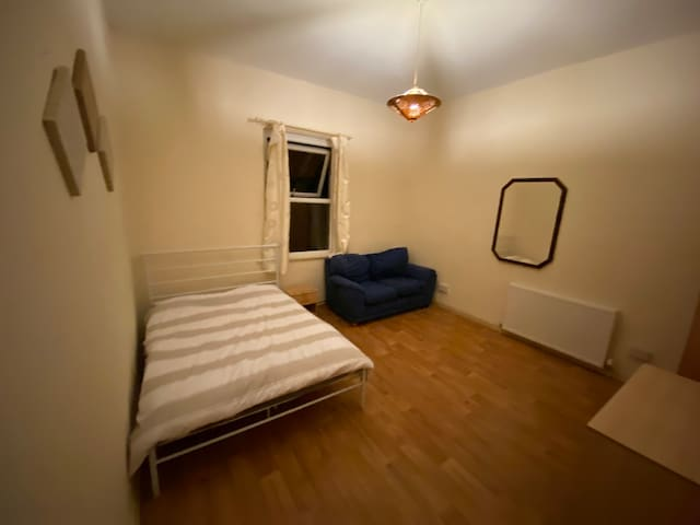Sefton Park Stay Room B