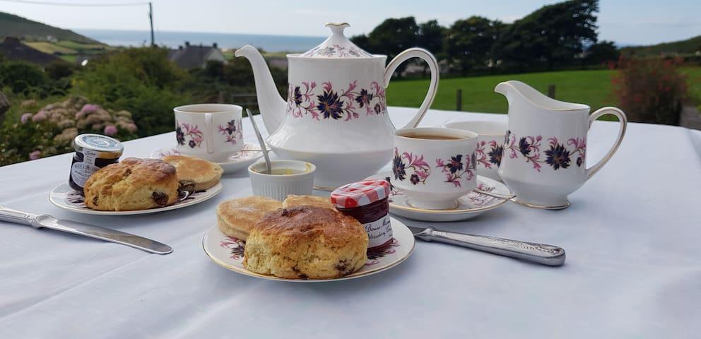 Tea on the veranda ?