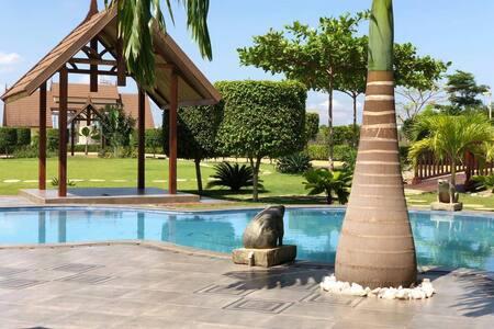 Paradise Estate Villa