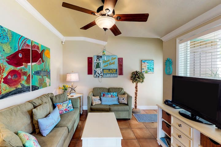 Family-friendly condo w/ access to shared pool & terrace - walk to the beach!