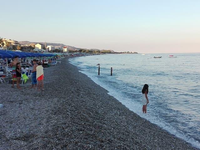 App.to Marina Gioiosa Ionica a 10 minuti dal mare - Marina di Gioiosa Ionica - Appartement