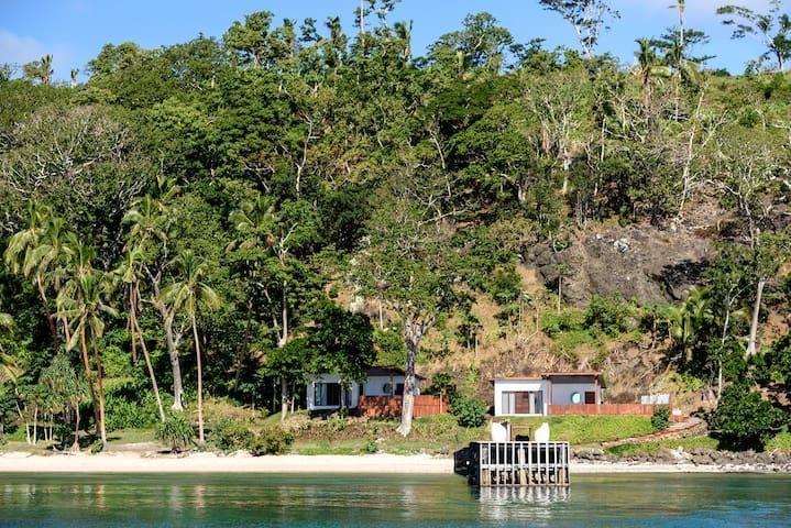 Remote Luxury Fiji Oceanfront Retreat (NEW)