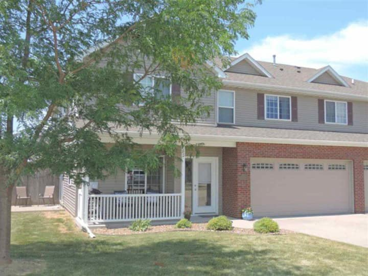 Cozy Town Home Living Near Iowa City, Coralville!