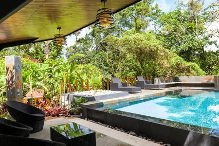 Tropical garden room at Ti-fakara Hotel