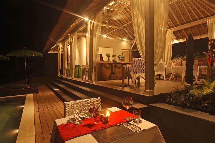 Kupu-Kupu Bungalow by Maylie Bali Villa - Mengwi - Bed & Breakfast