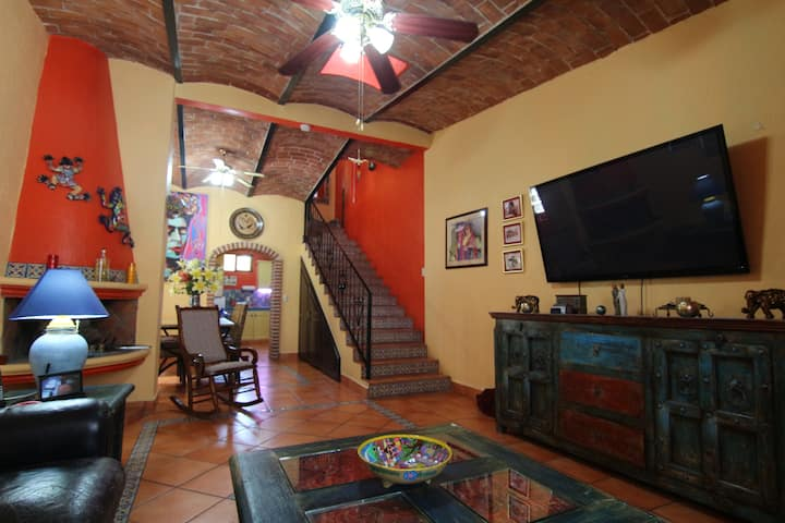 Gorgeous townhouse in center of Ajijic